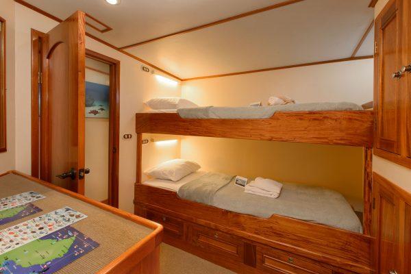 Sea Hunter cabin1