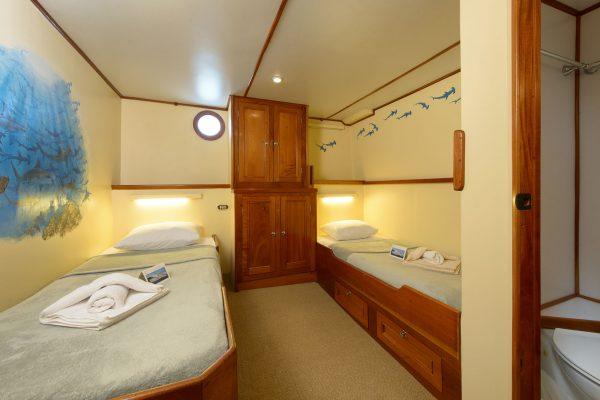 Sea Hunter cabin5