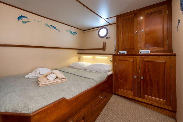 Sea Hunter cabin7