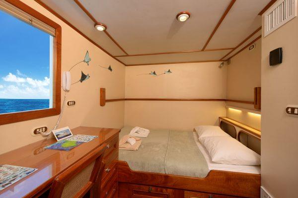 Sea Hunter cabin9