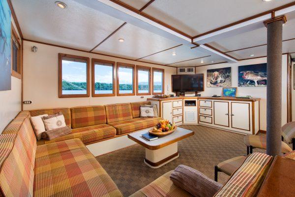 Sea Hunter lounge