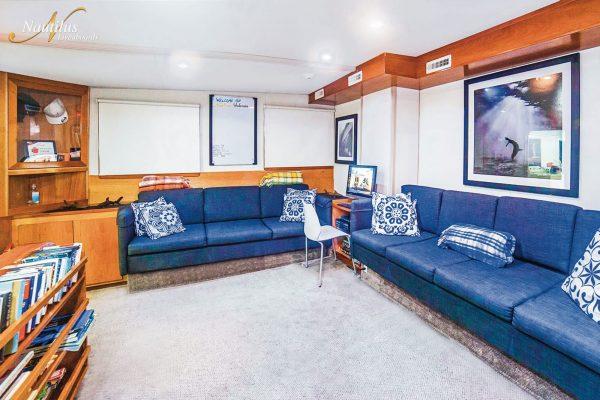 Undersea salon