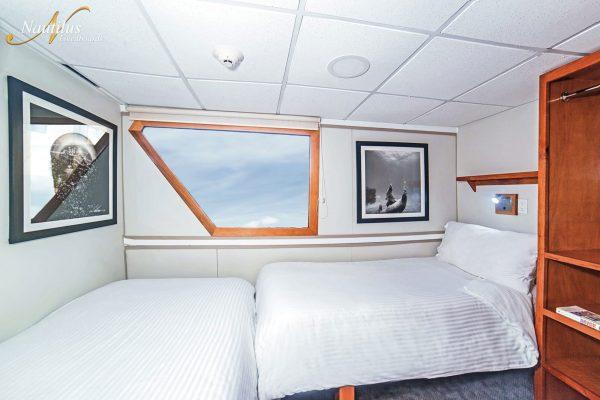 Undersea suite ada 002