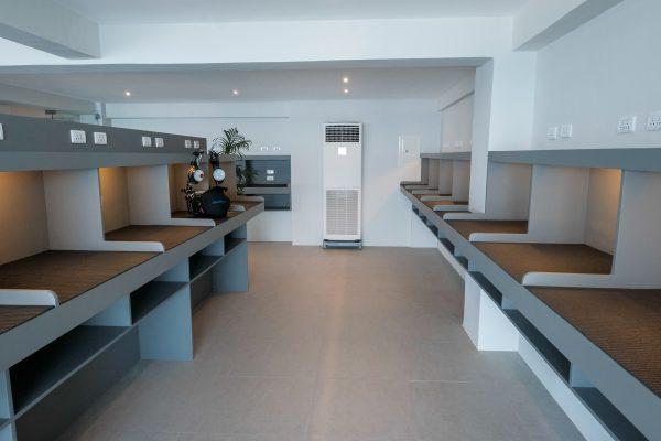 acacia camera room