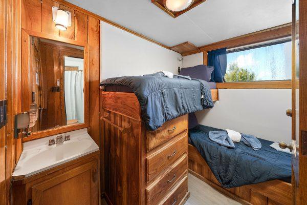 bahamas master cabin 5 and 6