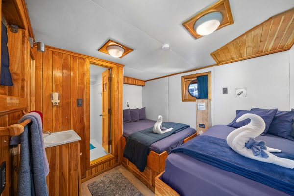 bahamas master cabin 7