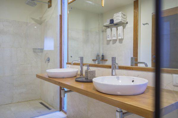 bathroom grandview