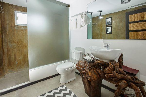 blanco familyroom bath