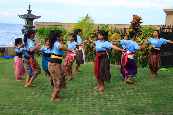 dance teluk