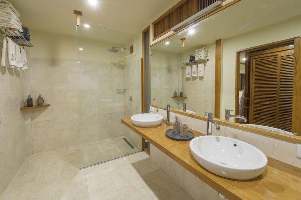 grandbeach bathroom