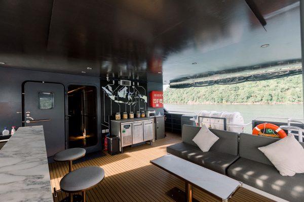 lounge outside velocean