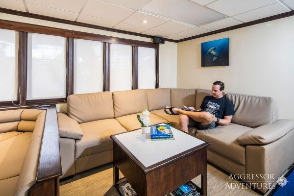 okeanos aggressor2 lounge