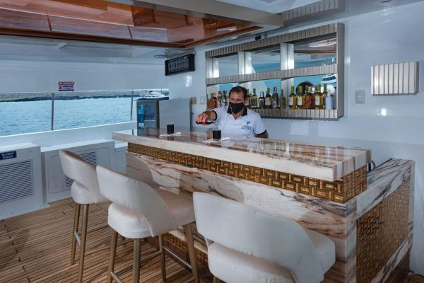 tiburon explorer bar
